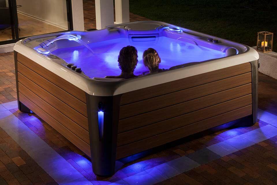 SpaTrend Outdoor Design: A Max Cityben